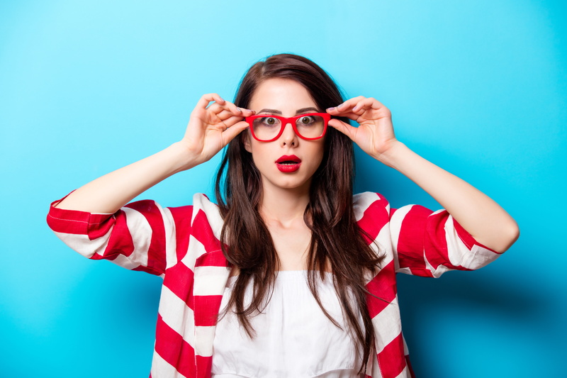 surprised-woman-glasses