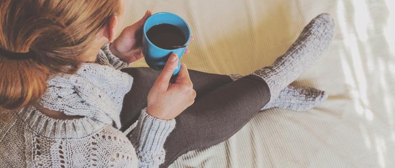 warm-woman-drinking-coffee