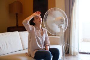 woman-before-fan